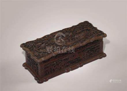 十九世纪 檀香木雕楼阁人物长方盒