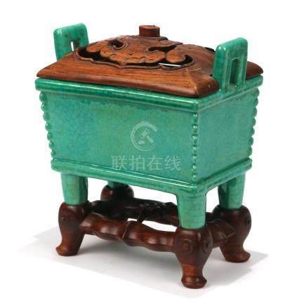 CHINESE GREEN-GLAZED GUAN-TYPE PORCELAIN CENSER