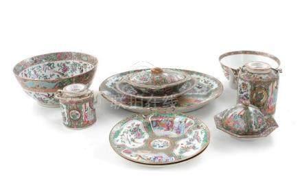 Chinese Rose Medallion porcelain tablewares (10pcs)