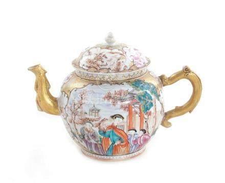 Chinese Export porcelain oversized teapot