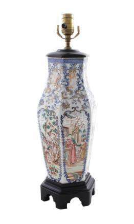 Chinese Export porcelain urn, converted to lamp