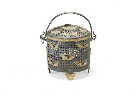 SILVER CONTAINER WITH COVER