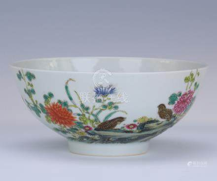 CHINESE PORCELAIN FAMILLE ROSE BIRD AND FLOWER BOWL