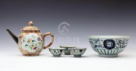 A Chinese porcelain blue and white bowl, probably 19th century, with slightly everted rim and