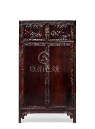 清中期紫檀螭龙竹纹书柜