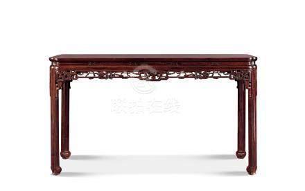 清乾隆紫檀夔龙如意纹海棠形画桌
