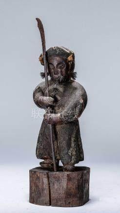 木雕平埔族人物立像