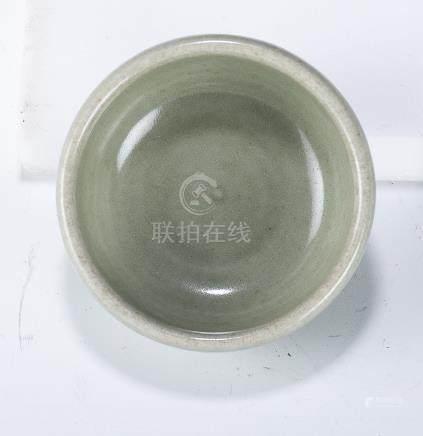 元 龍泉窯青釉臥足杯