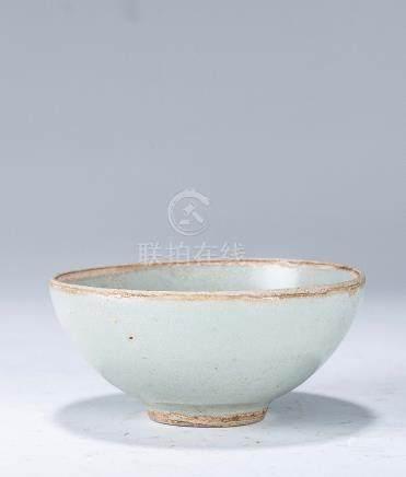 南宋 龍泉窯仿官粉青釉芒口杯
