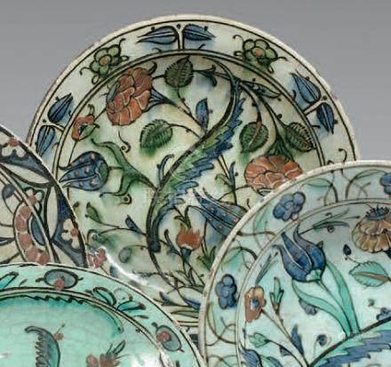 Plat tabak à la palme, Sâz, Turquie ottomane, Iznik, XVIIe siècleCéramique sili
