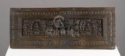 Couverture de livreTibet ca 14°-16° siècleBois. 15 x 38 cmPetite couverture cla