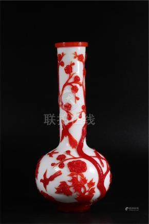 A CHINESE RED GLASS VASE, QIANLONG PERIOD