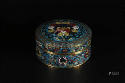 A CHINSES CLOISONNÉ ENAMEL BOX WITH XUANDE