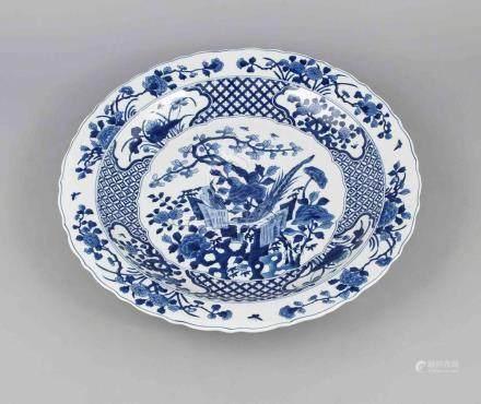 Large bowl, China, 19th/20th century, Kangxi-marked. Shallow
