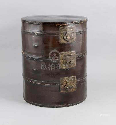 Hat box for 3 hats, China, before 1911. Round, cylindrical w