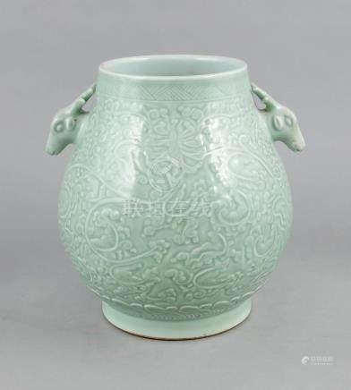 Large vase, China, 19th/20th century, Hu-form on a cylindric