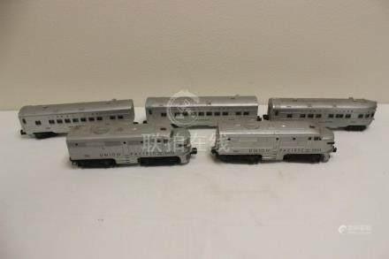5 pieces Lionel trains