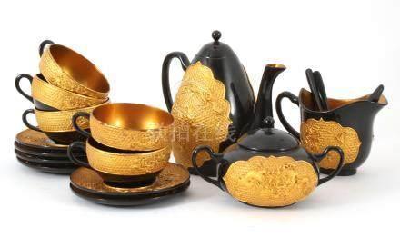 Chinees lakwerk 5-persoons theestel met goudkleurig verhoogd decor van draken
