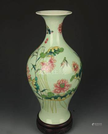LIGHT GREEN COLOR GLAZED FAMILLE ROSE OLIVE VASE