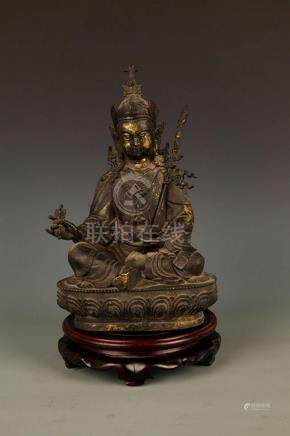 FINELY CARVED SEATED GUANYIN BRONZE FIGURE