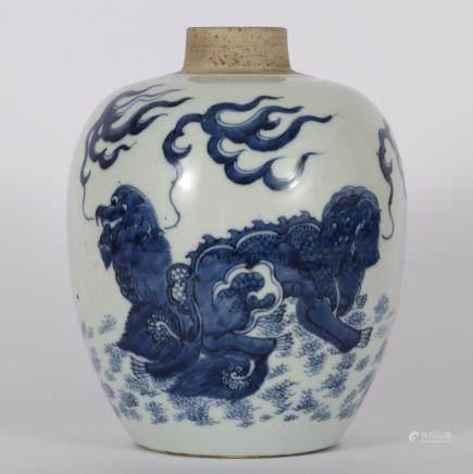 CHINESE BLUE WHITE FOOLION PORCELAIN JAR