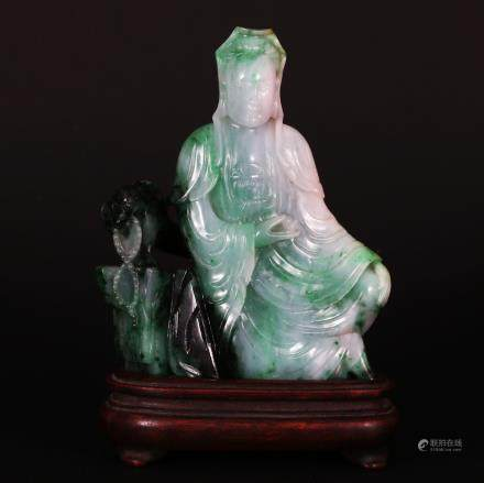 CHINESE JADEITE CARVED SEATED GUANYIN