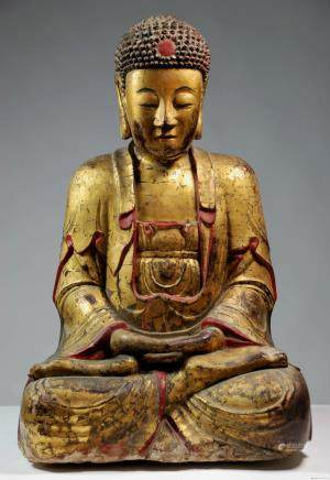 CHINESE LARGE GILDED LACQUER WOODEN BUDDHA