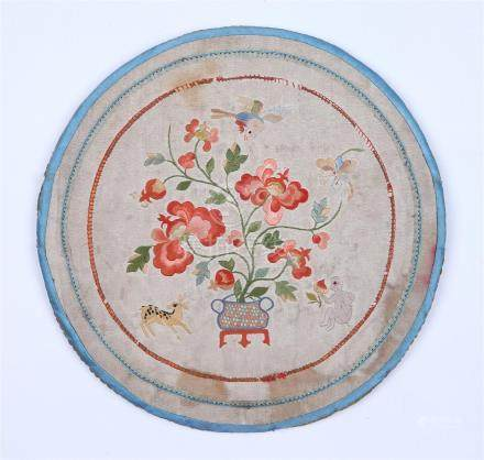 CHINESE EMBROIDERED SILK CIRCULAR FAN COVER