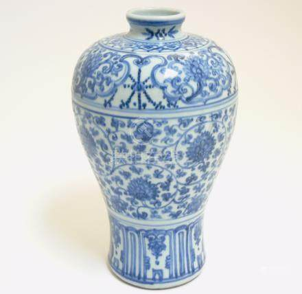 A Chinese blue and white Meiping vase, with underglaze blue decoration of scrolling lotus,