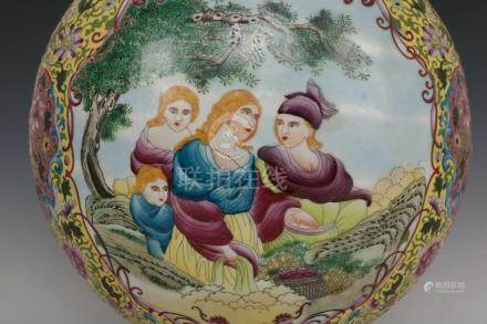 Fine Beautiful Chinese Export Famille Rose Porcelain Duo Han