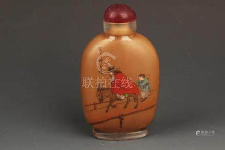 A CHARACTER PAINTED CRYSTAL SNUFF BOTTLE