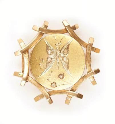 Spilla in oro giallo epoca '800 con incisione a