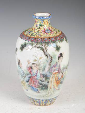 A Chinese porcelain famille rose vase, late Qing/ Republican Period, decorated with figures in a