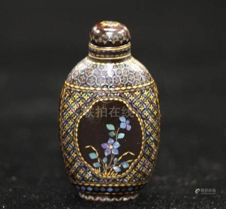 Lacquer W/ Shell Snuff Bottle
