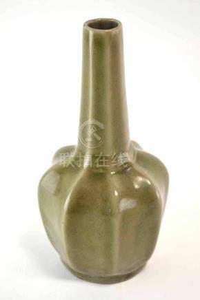 (Asian antiques) Celadon Vase