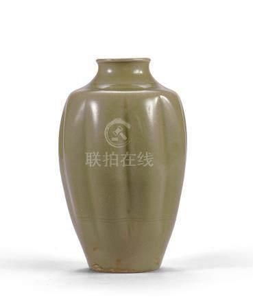 北宋 耀州窯青釉瓜棱罐