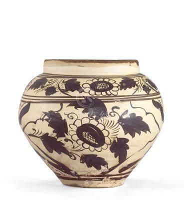 元 磁州窯白地黑彩花卉紋罐