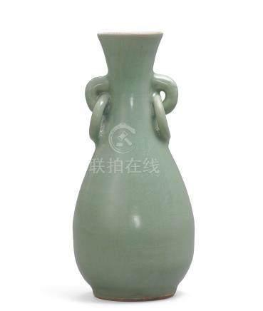 明 龍泉窯青釉雙繫耳瓶