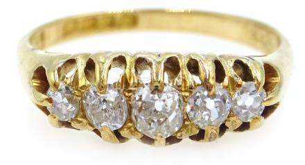 18ct gold five stone graduating diamond ring,
