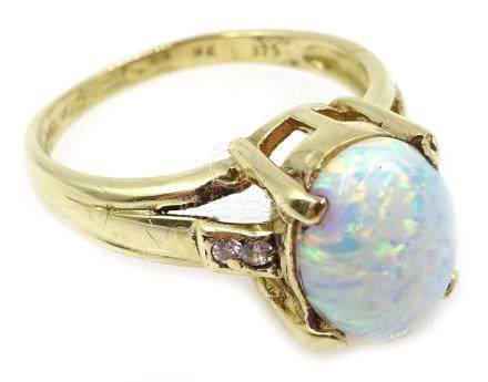 9ct gold opal ring, hallmarked Condition Report Approx 3.