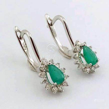 14K White Gold Cluster Earring set with emerald and brillant cut diamonds - 21 mm