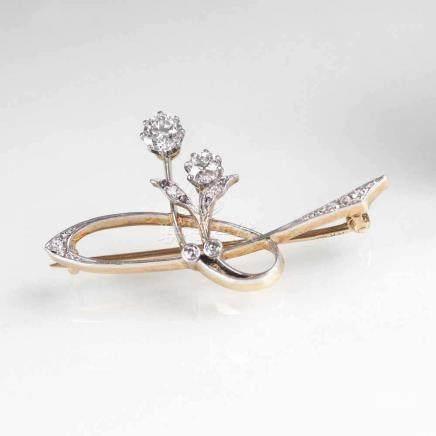 Jugendstil Diamant-BroscheAnf. 20. Jh. 18 kt. Roségold, Platin. 10 Altschliffdiam. zus. ca. 0,75 ct.