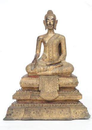 Bouddha assis dans le geste de la prise de la terre à témoin. Siam/Thaïlande. R
