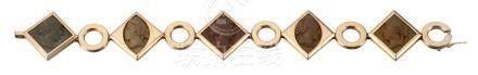 Bracelet aux formes géométriques en or jaune 14k serti de 5 camées moulés dans