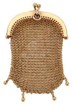 Bourse en or jaune côte de maille  Hauteur : 7 cm - Largeur : 5 cm Poids brut :