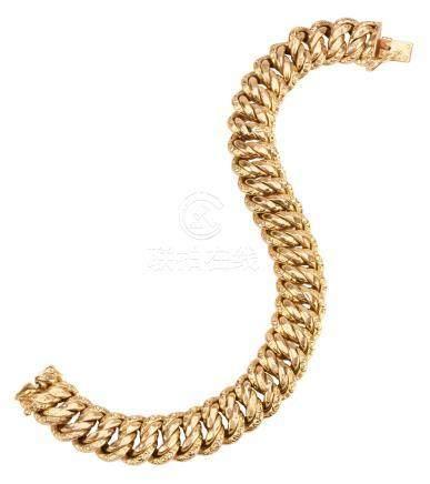 Bracelet maille américaine en or jaune  Travail français, Atelier Grand, poinço