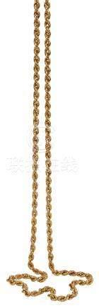 Sautoir en or jaune maille torsadée (C) Longueur : 82 cm Poids brut : 23,50 g (
