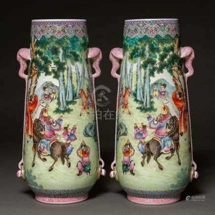 Importante pareja de jarrones en porcelana china familia rosa. Trabajo Chino, Siglo XX