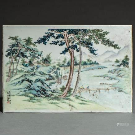 Placa rectangular en porcelana China. Trabajo Chino, Siglo XIX-XX