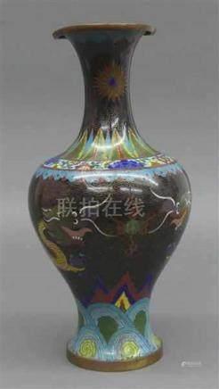 CloisonnevaseChina, Metall, Drachen- und Ornamentdekor, um 1920, h 32 cm,